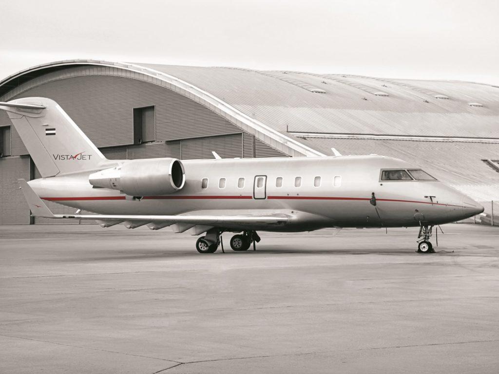great-plains-conservation-private-jet-safari-challenger-605_exterior_tarmac